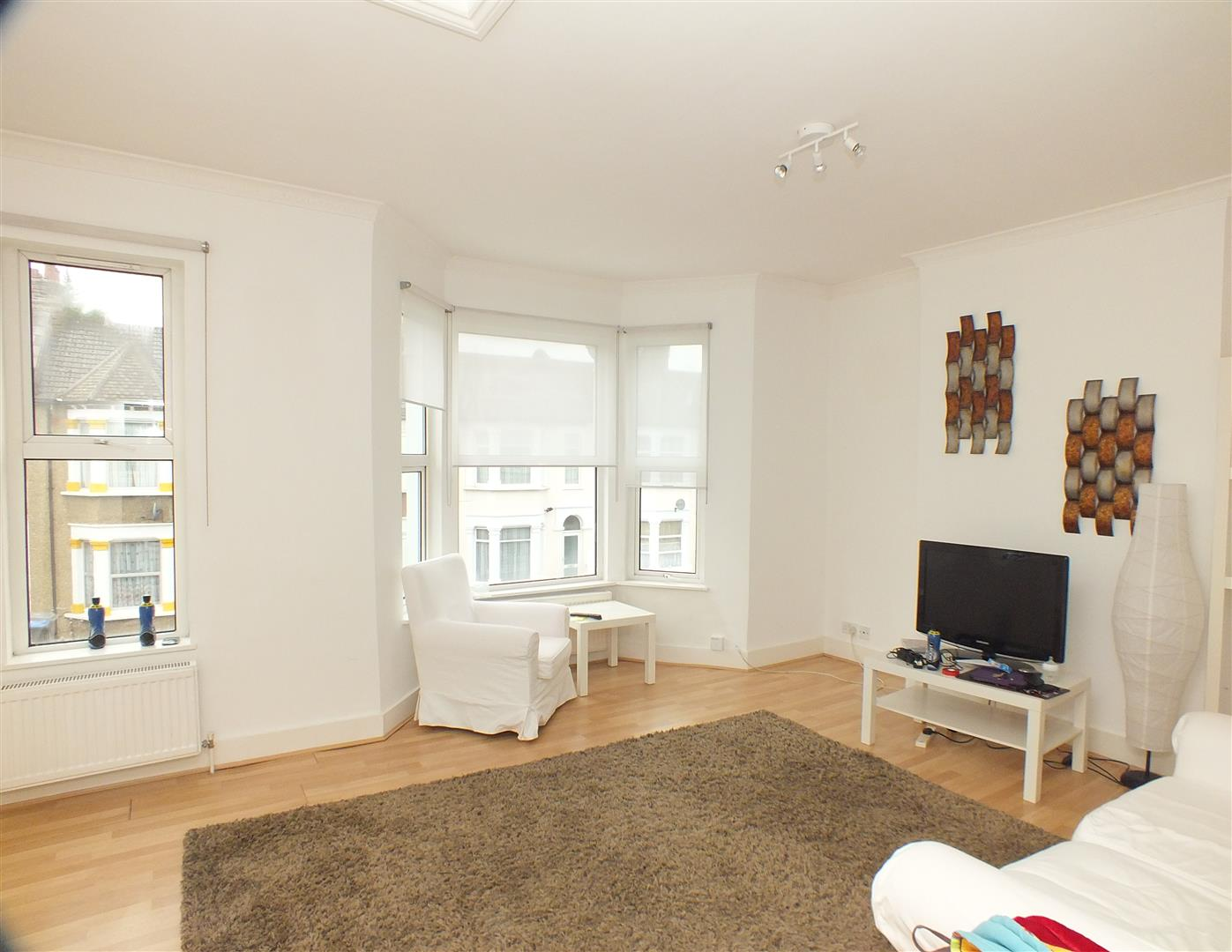 2 Bedrooms Flat for sale in Harlesden